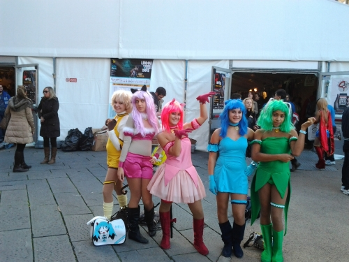 Ragazze multicolori a Lucca Comics and Games
