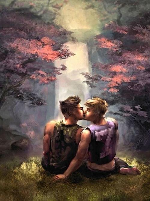 KISSING--021413-001