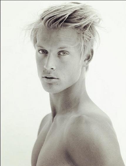 Blonde Thor