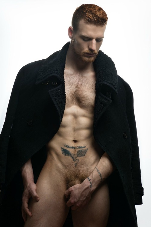 We are excited to present another marvelous exclusive for Fashionably Male we present you Steven Truman captured by Jeffery Beasley, styled by Kai Jankovic. A beautiful male ginger body and face giving the best of him of this shot.