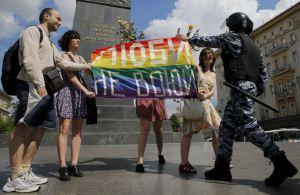 Il pride a Mosca (foto di Repubblica.it)