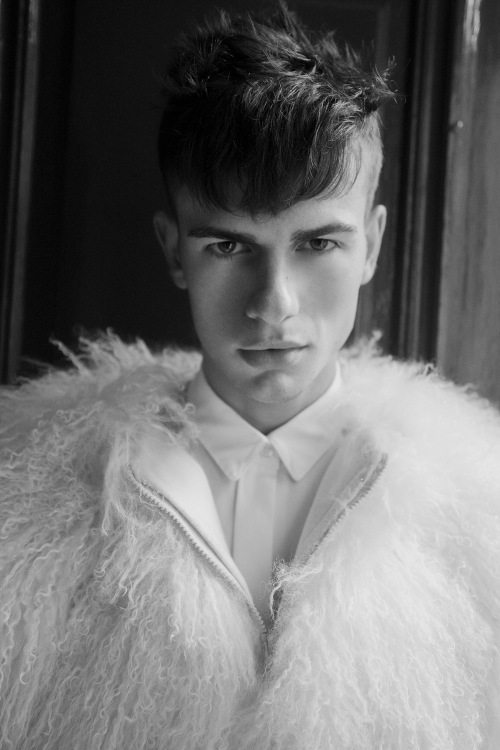 Tristan Perez-Goddard is the new muse by lensman Sean P. Watters. Tristan who's wearing all clothes and jewelry by Marc-Antoine Barrois is the new model generation signed by Studio KLRP.